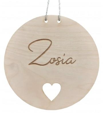 drewniana tabliczka z imieniem dziecka